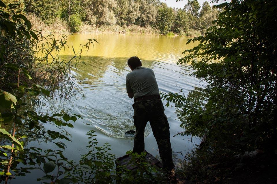 Відбір проб води біля Климівки