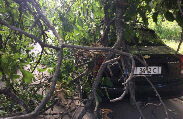 Пошкоджений Chevrolet Lanos