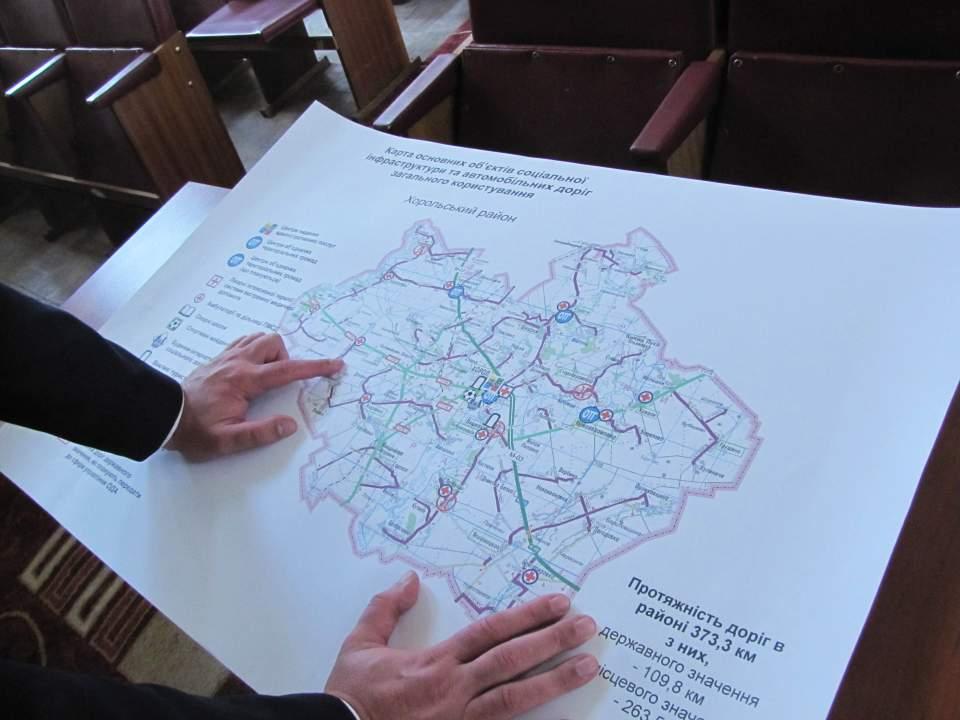 Карта основних об'єктів соціальної інфраструктури та автомобільних доріг загального користування Хорольського району