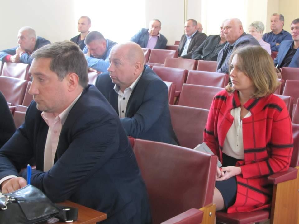Участь у нараді взяли керівники області та району, депутати обласної та районної рад, міський та сільські голови