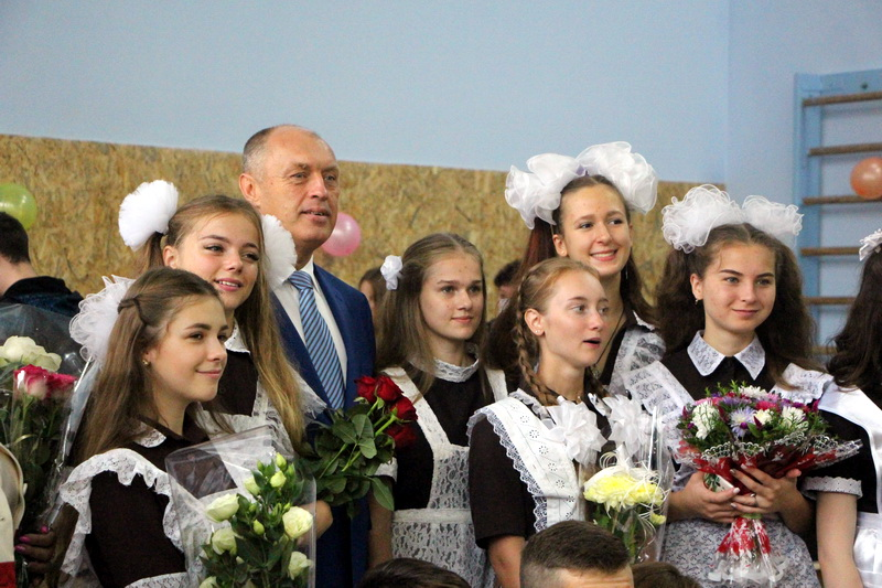 Міський голова Олександр Мамай з майбутніми випускниками