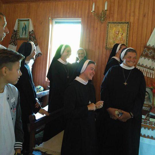 Монахині