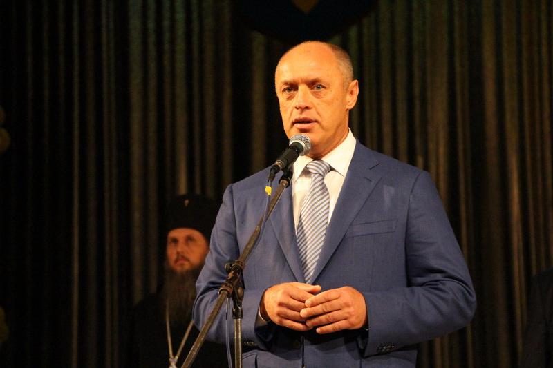 Міський голова Олександр Мамай вітає першокурсників