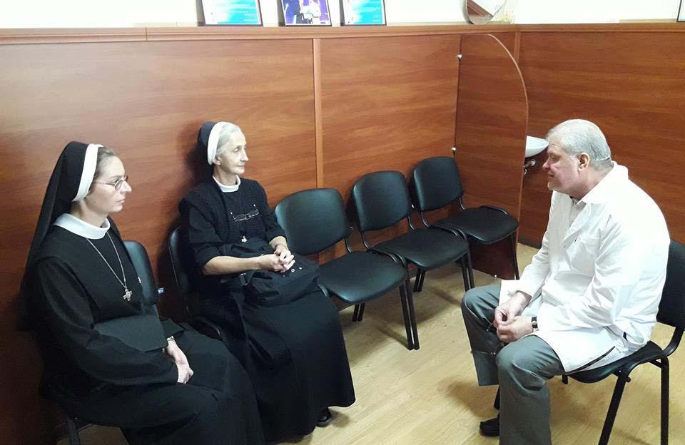 Сестри Августина Костик та Венедикта Гараздовська та головний лікар Анатолій Рудич
