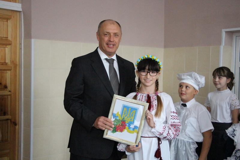Учні ЗОШ №8 підготували подарунок Олександру Мамаю