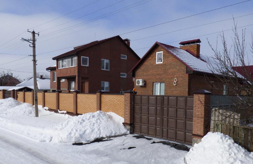 Вулиця Зоряна, 59 у селі Розсошенці — саме тут проводилися обшуки по справі Компанійця