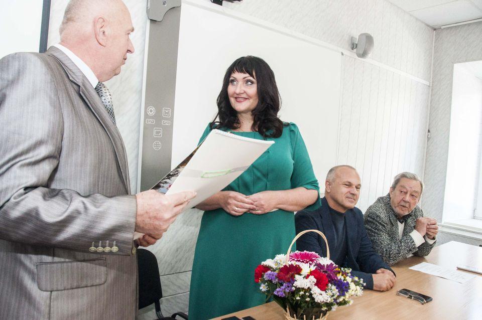 Представники ради привітали Олену Харченко напередодні професійного свята