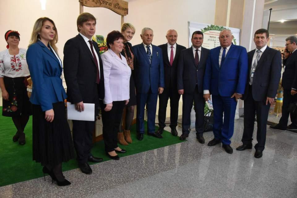 Спільне фото з гостями форуму