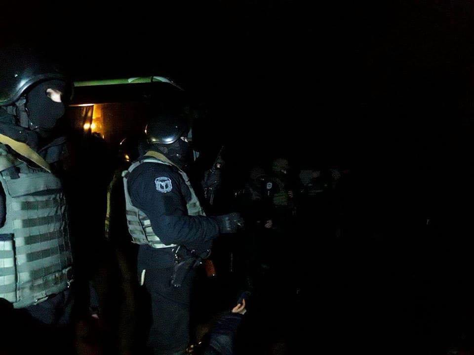 """Рейдери, що намагалися """"віджати"""" агропідприємство на Полтавщині, вимагали 28 млн грн боргу, фото-2"""