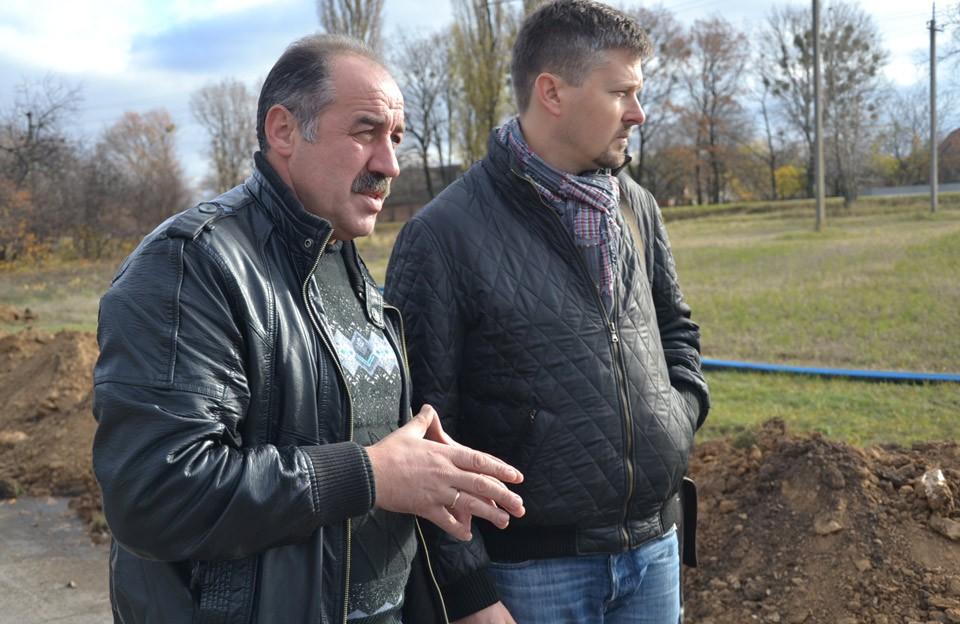 Валерій Білокінь та представник компанії ДТЕК
