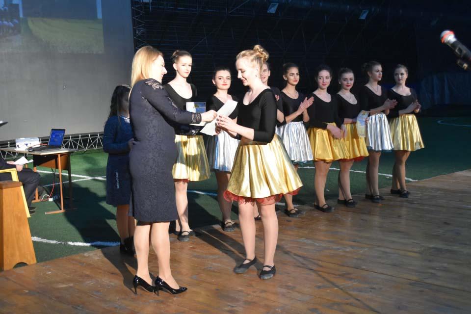 Нагородження танцювального колективу «Just Dance» грамотами