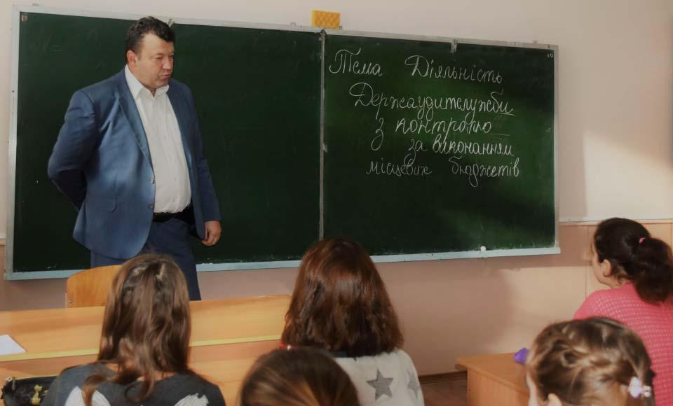 Начальник відділу контролю в органах влади, оборони, правоохоронних органах та за місцевими бюджетами Вадим Россоха