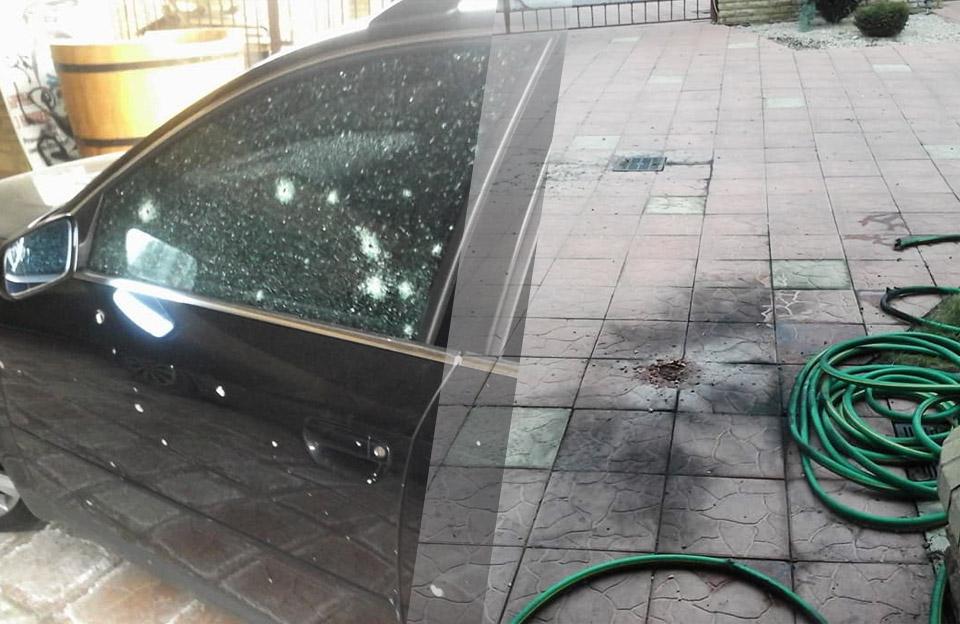 Наслідки вибуху гранати у дворі будинку Сергія Чередніченка