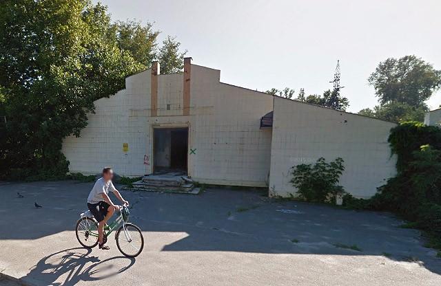 Занедбана територія колишнього ресторану біля Ворскли