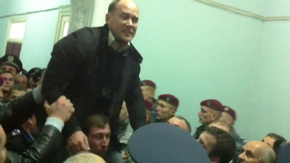 Сергій Каплін та Сергій Луценко під час штурму міськради у вересні 2013 року