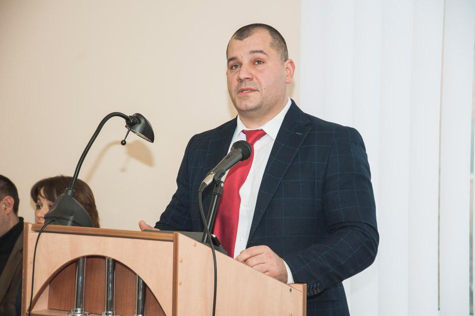 Голова райдержадміністрації Олексій Матюшенко розповідає про здобутки району в галузі медецини
