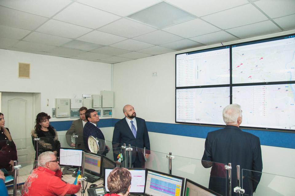Екскурсія диспетчерською кімнатою прийому викликів та консультування, познайомили з персоналом
