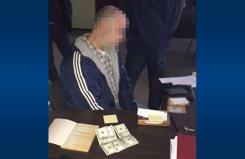 Затриманий Сергій Сипка, вже колишній інспектор митного посту «Лтава»