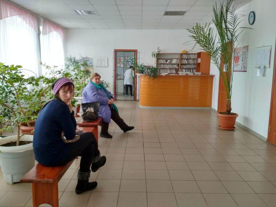 Пацієнти очікують прийому лікаря у Куликівській амбулаторії