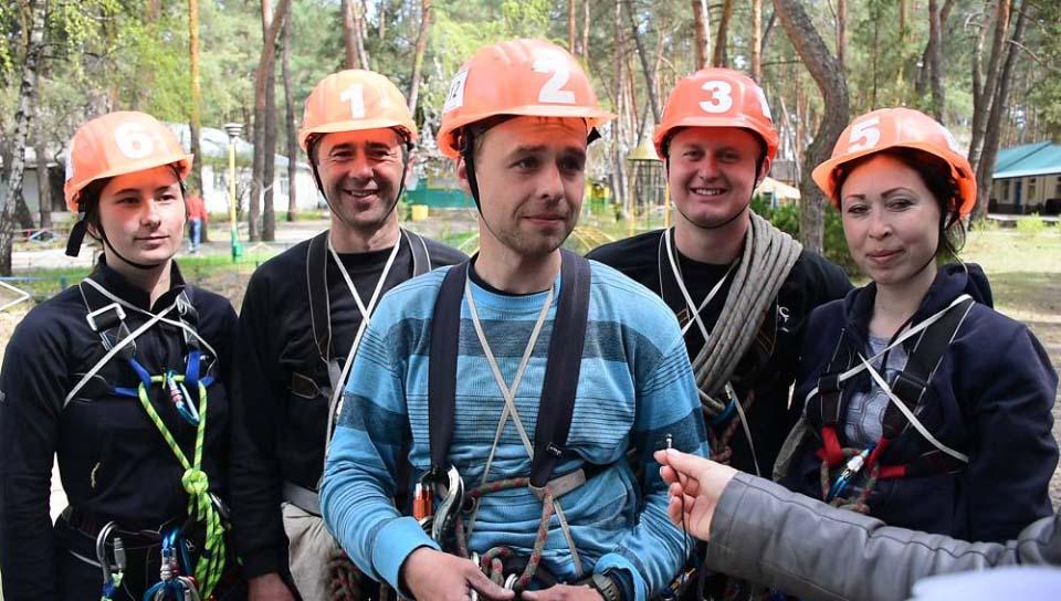 Євгеній Зимогляд представив учасників своєї команди «Фенікс» із Решетилівського району