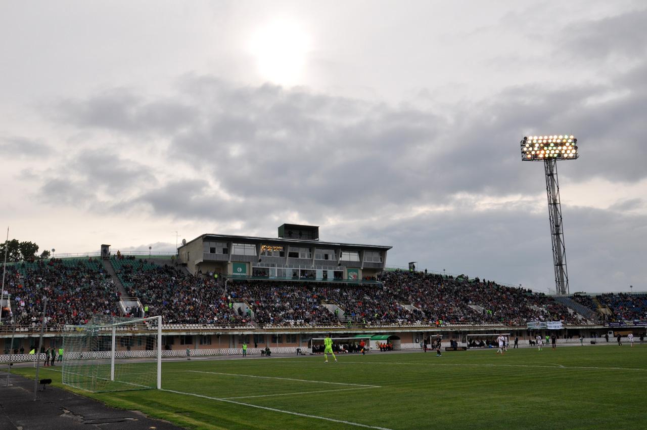 Сьогодні у Полтаві на стадіоні «Ворскла» ім. О. Бутовського відбувся матч 32-го туру Української Прем'єр-ліги між полтавською «Ворсклою» та луганською «Зорею». Від цієї гри залежало все.