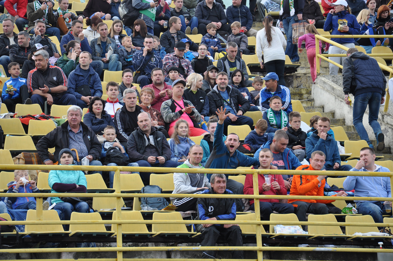 Тому на стадіоні вистачало глядачів і емоцій