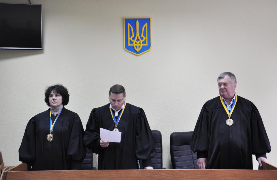 Судді Лариса Кулешова, Віталій Микитенко та Олександр Струков