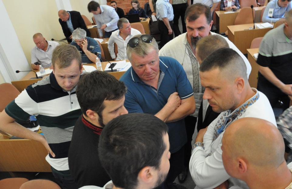 Валерій Черняков проводить нараду з молодшими побратимами