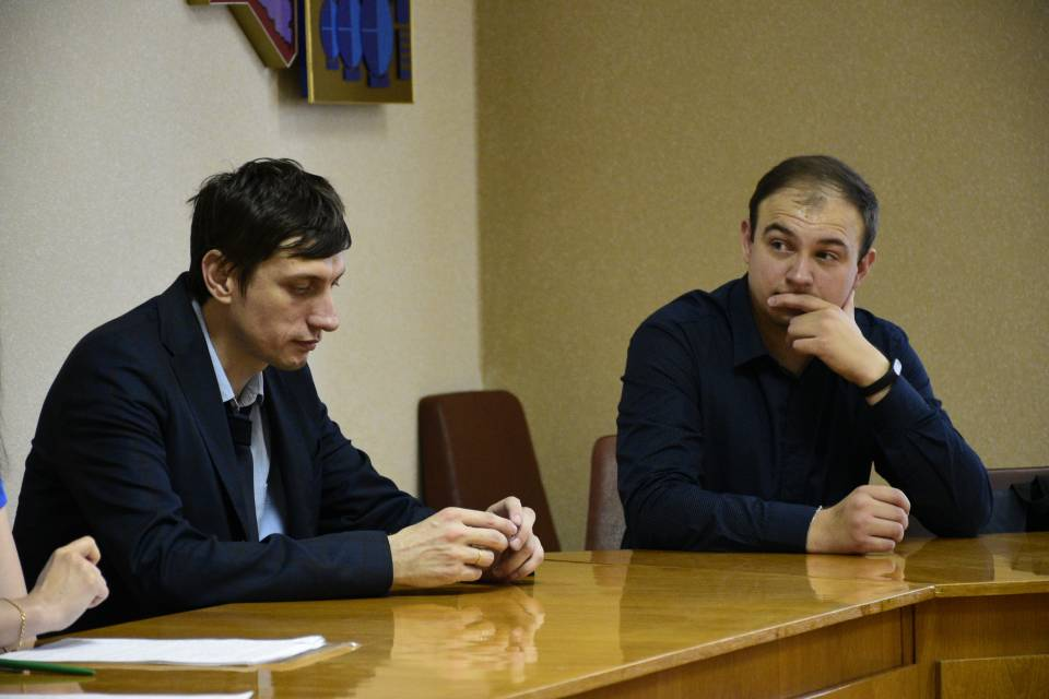 Андрій Черін (ліворуч)