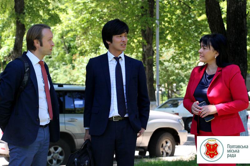 Секретар посольства Японії приїхав у Полтаву, щоби відкрити алею сакур