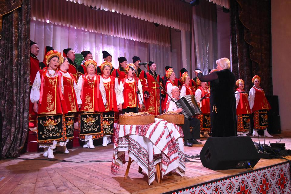Для шанованих гостей влаштували святковий концерт