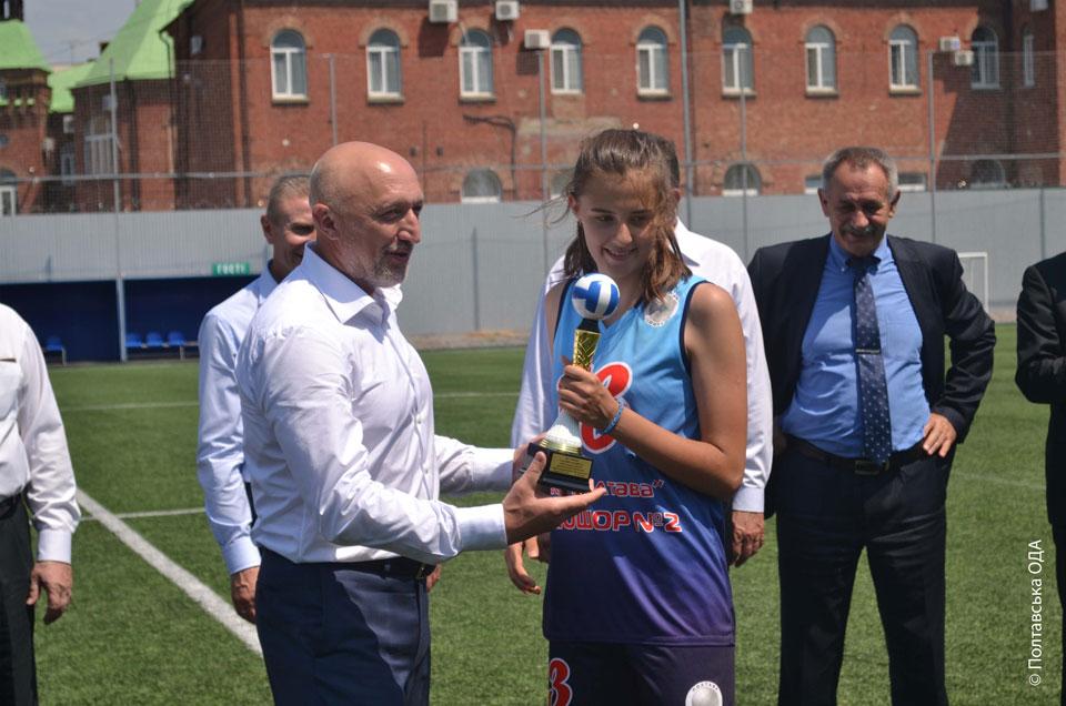 Негородження юних спортсменів на стадіоні «Динамо»