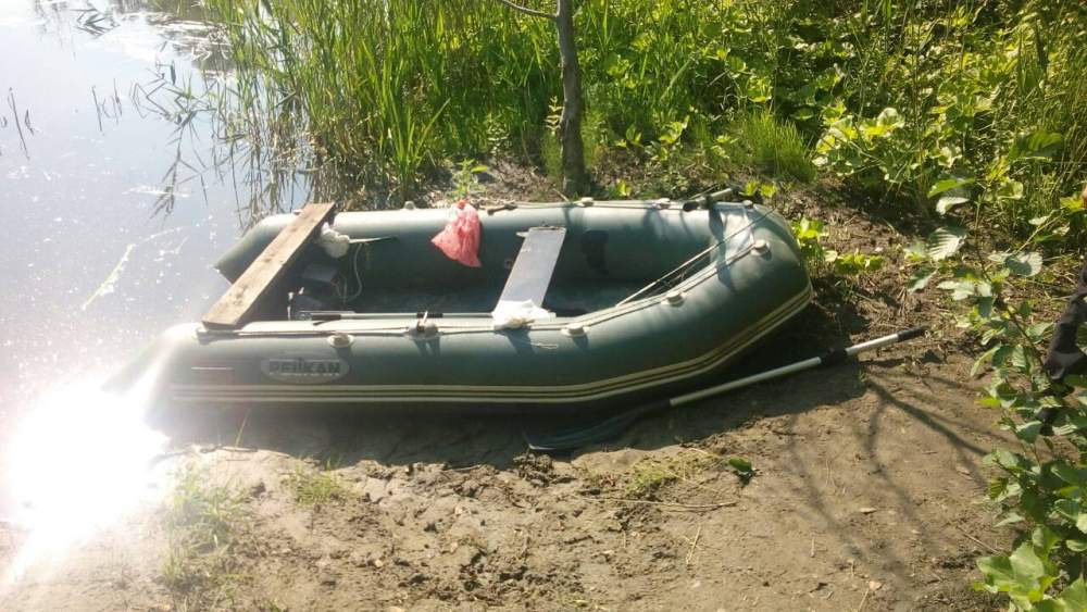 Човен та обладнання для електролова, що виявили 18 червня