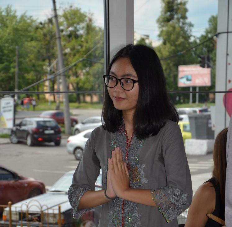 Стажерка Лідія з Індонезії