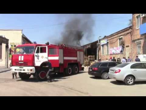 Полтава: рятувальники ліквідували пожежу в складському приміщенні на вул Овочевій 10.07.2018