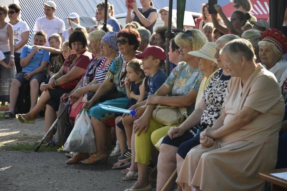 На концерт зібралися всі мешканці Розсошенець, Горбанівки та гості свята