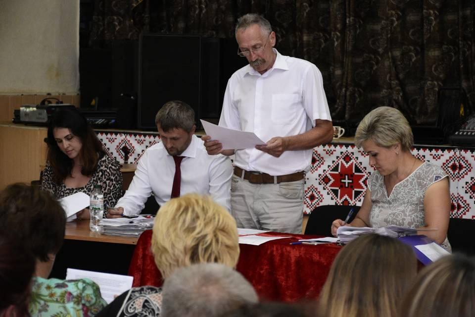 Голова Щербанівської ОТГ Ігор Процик на сесії наголосив, що головне завдання на сьогодні - підготувати школи громади до навчального року