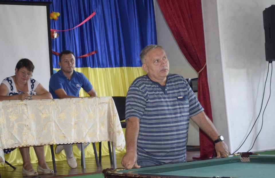 Староста Василівської сільради Олександр Кулініч на громадських обговореннях у Василівці