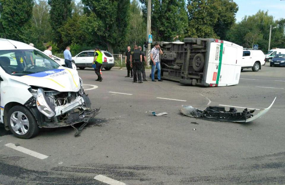 ДТП за участі інкасаторського Ford Transit та поліцейського Renault Dokker 30.07.2018