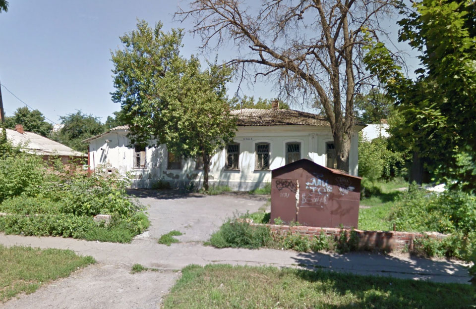 Занедбаний гуртожиток ПДАА на вул. Пушкіна, 60 у Полтаві
