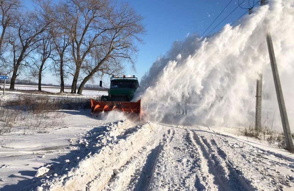 Розчистка дороги поблизу с. Ватажкове Полтавського району