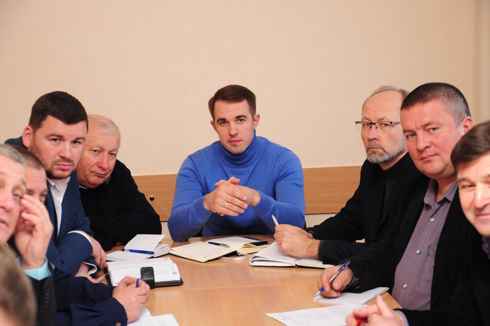 Керівник Державної екологічної інспекції в Полтавській області Вадим Осипенко (по центру)