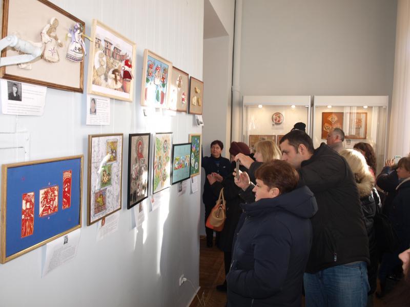 Ознайомитися з роботами учасників обласного конкурсу мініатюр можна до 6 грудня