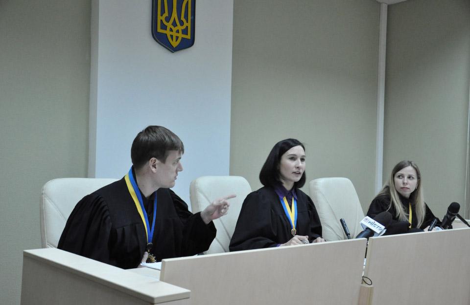 Судді Андрій Головко, Наталія Алєксєєва та Анна Чеснокова