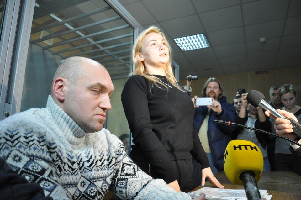 Адвокат Олег Губа з підзахісною Наталією Саєнко