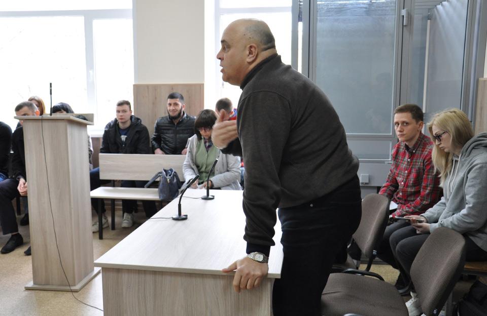 Володимир Гура