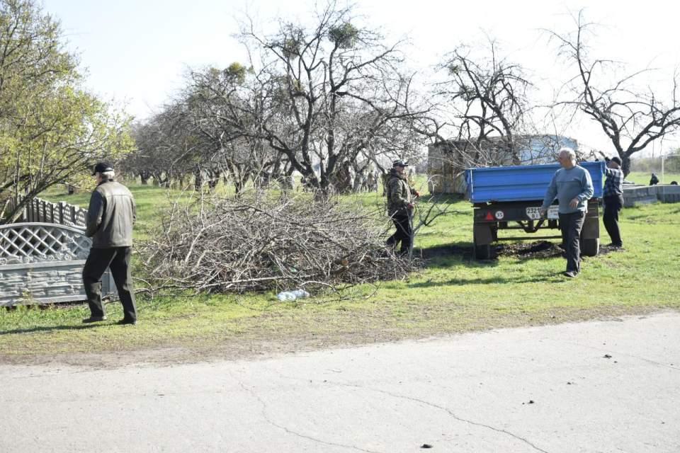 Зібране сміття вивезли за межі сіл