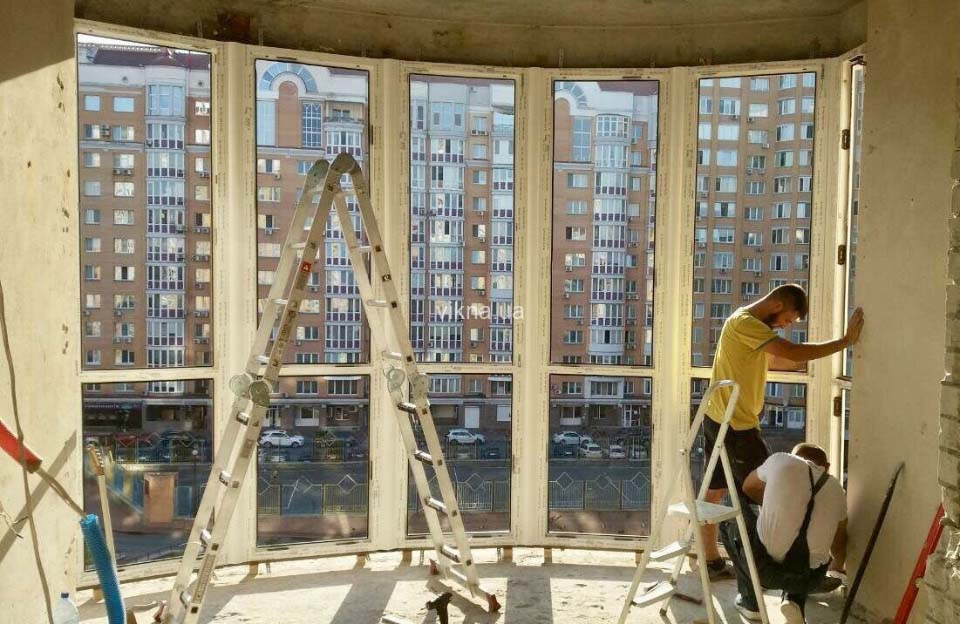 9cc5387a8323c8 Многие восхищаются большими окнами от пола до потолка в новостройках. Они  визуально увеличивают объем, создают ощущение пространства, наполняя его «  ...