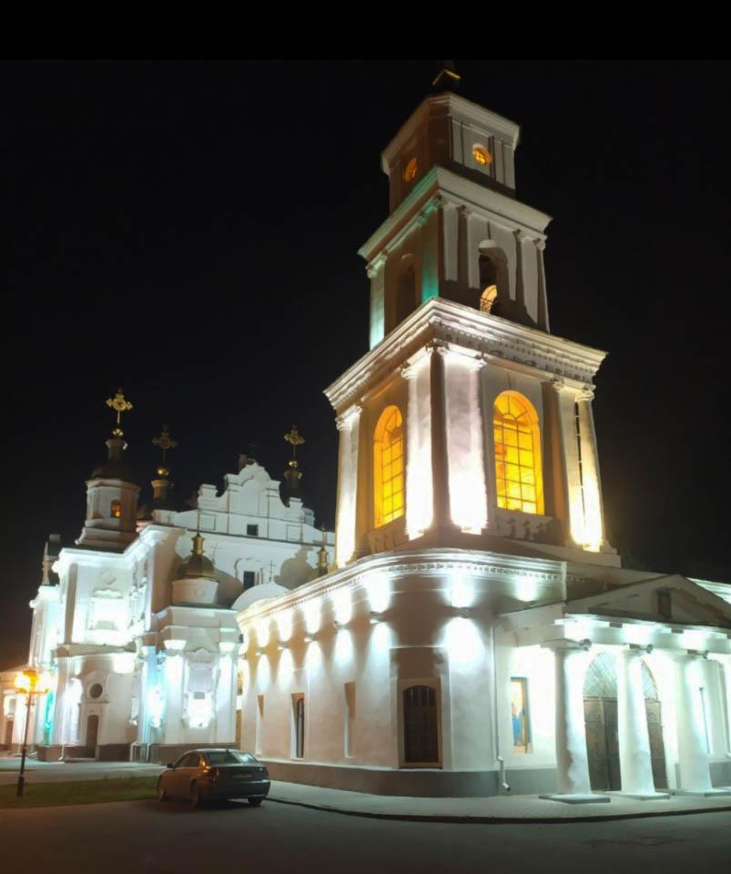 Свято-Успенський кафедральний собор на Соборному майдані