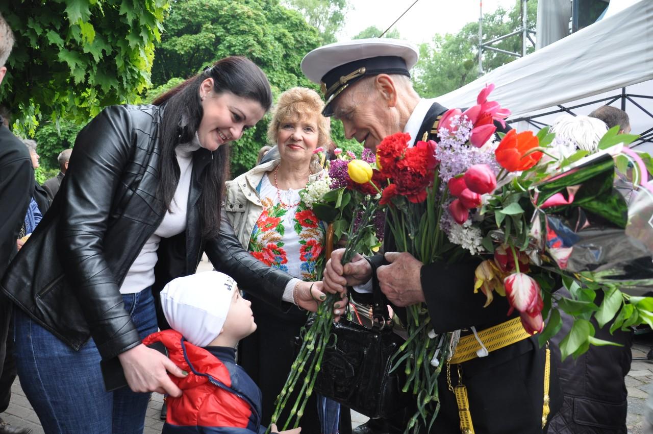 Квіти ветеранам.